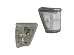 TOYOTA HILUX LN106 CORNER LIGHT RIGHT HAND SIDE