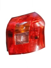 TOYOTA COROLLA ZZE122 TAIL LIGHT RIGHT HAND SIDE