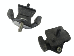 TOYOTA TARAGO TCR10 ENGINE MOUNT RIGHT HAND SIDE FRONT