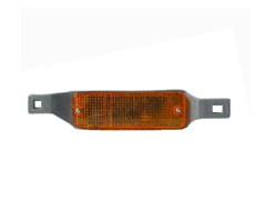 TOYOTA HILUX RN40/RN46 FRONT BAR LIGHT RIGHT HAND SIDE