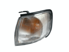 NISSAN MAXIMA A32 CORNER LIGHT LEFT HAND SIDE