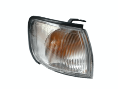 NISSAN MAXIMA A32 CORNER LIGHT RIGHT HAND SIDE