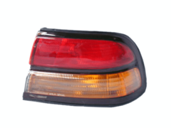 NISSAN MAXIMA A32 TAIL LIGHT RIGHT HAND SIDE