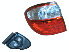 NISSAN MAXIMA A33 TAIL LIGHT LEFT HAND SIDE OUTER