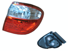 NISSAN MAXIMA A33 TAIL LIGHT RIGHT HAND SIDE OUTER