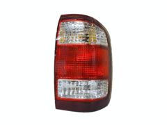 NISSAN PATHFINDER R50 TAIL LIGHT RIGHT HAND SIDE