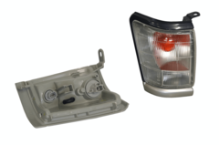 TOYOTA HILUX LN169 4WD CORNER LIGHT RIGHT HAND SIDE