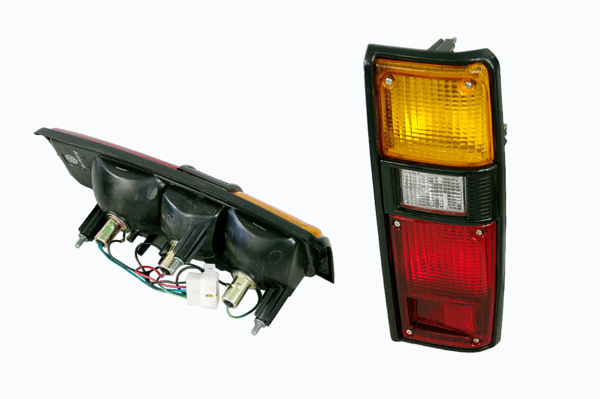 TOYOTA HILUX RN30/RN46 TAIL LIGHT RIGHT HAND SIDE