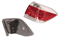 TOYOTA KLUGER GSU40 SERIES 2 TAIL LIGHT RIGHT HAND SIDE